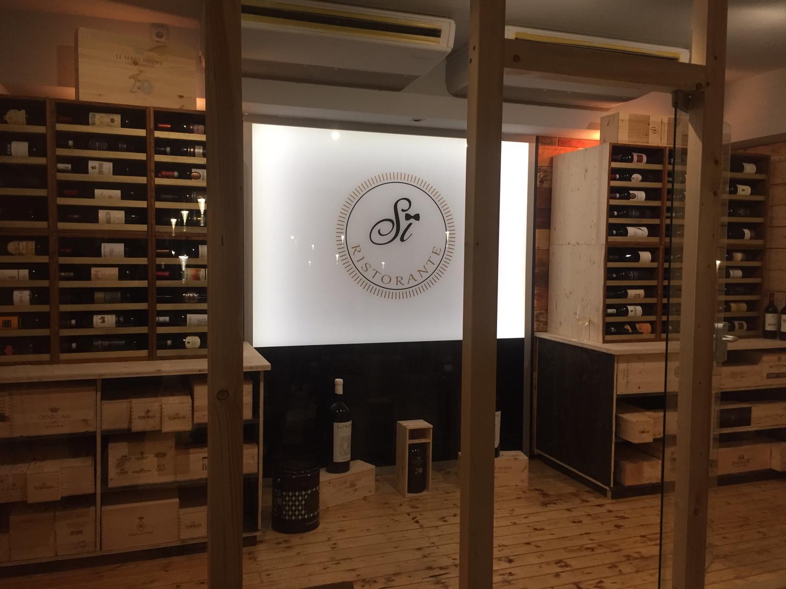 Weinschrank Flasche Ristorante SI